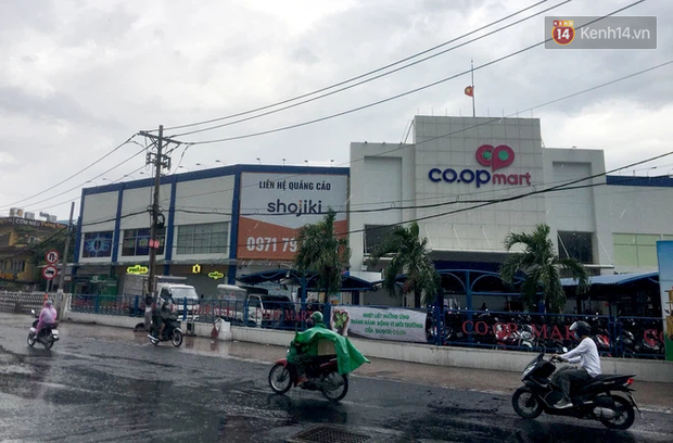 TP.HCM: Siêu thị Co.op Mart Xa lộ Hà Nội tạm ngưng nhận khách, những người từng đến đây và 2 địa điểm khác liên hệ ngay cơ quan y tế - ảnh 1