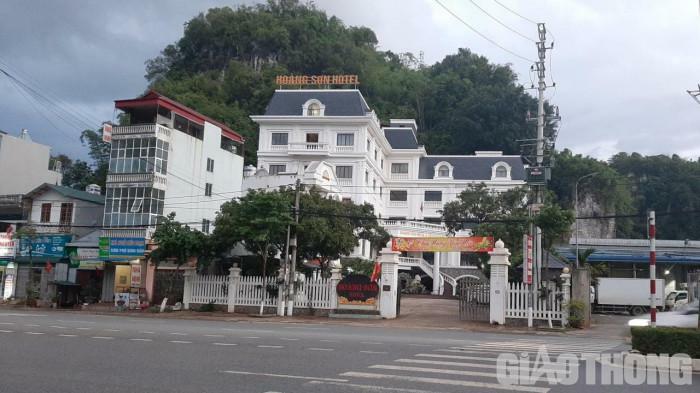 Nhà hàng, khách sạn ở Sơn La được phép hoạt động trở lại - ảnh 1