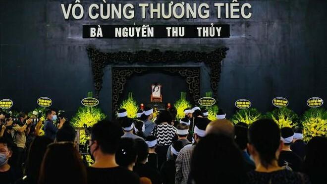 Xúc động khoảnh khắc tiễn biệt Hoa hậu Thu Thủy - ảnh 1