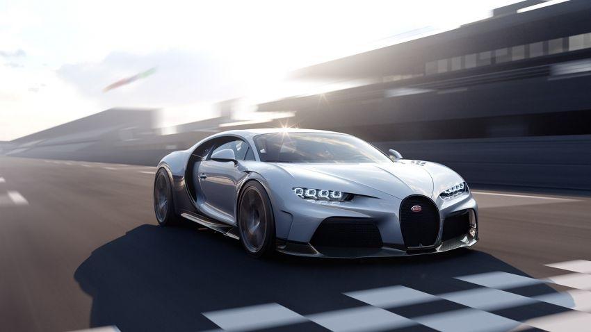 """Bugatti Chiron Super Sport ra mắt, đạt tốc độ """"cất cánh"""" 440 km/h"""