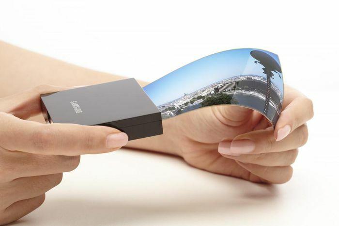 Samsung bắt đầu sản xuất màn hình OLED gập cho Google, vivo và Xiaomi từ tháng 10 - ảnh 1