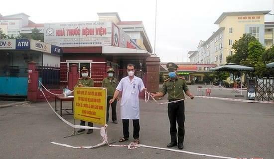 Toàn bộ F1 âm tính, Bệnh viện Đa khoa Hà Tĩnh hoạt động trở lại - ảnh 1