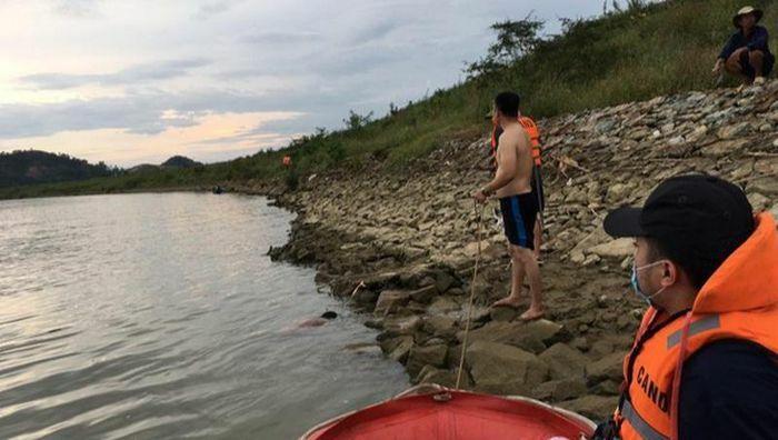 Tìm thấy thi thể nam sinh tắm sông bị đuối nước - ảnh 1