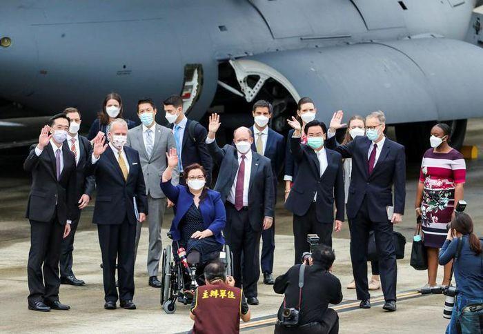 Trung Quốc chỉ trích nặng lời vụ 3 thượng nghị sĩ Mỹ đến Đài Loan - ảnh 1