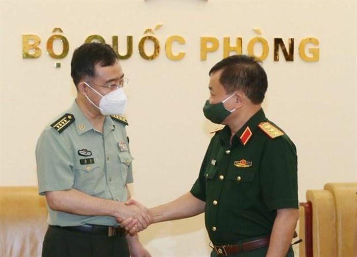 Tiếp tục thúc đẩy hợp tác quốc phòng Việt Nam-Trung Quốc
