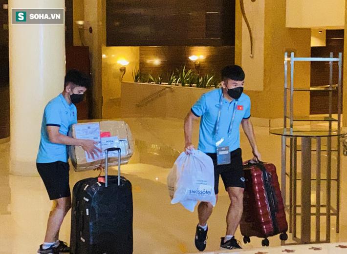 ĐT Việt Nam rời khách sạn cũ sang nơi mới mà không có HLV Park Hang-seo đi cùng