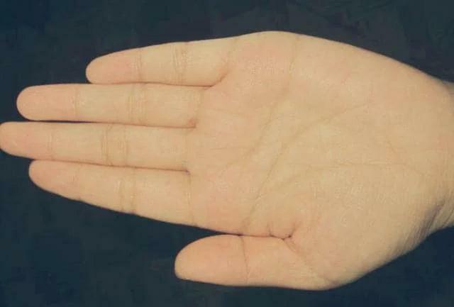 Xòe lòng bàn tay 5 giây thấy điểm này: Chắc chắn sau tuổi 30 phú quý - ảnh 1