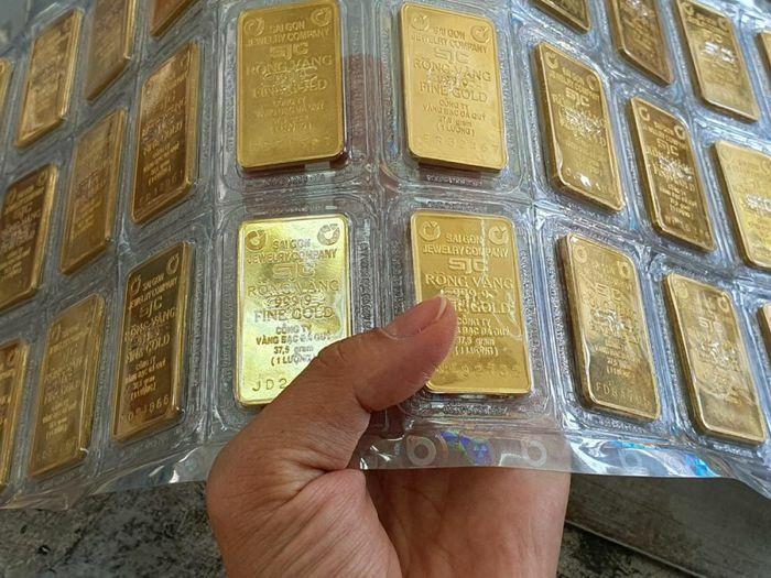 Giá vàng trong nước và thế giới đảo chiều giảm mạnh - ảnh 1