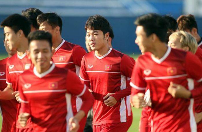 Báo Trung Quốc: Việt Nam làm ''điên đảo cả thế giới'' ở World Cup - ảnh 1