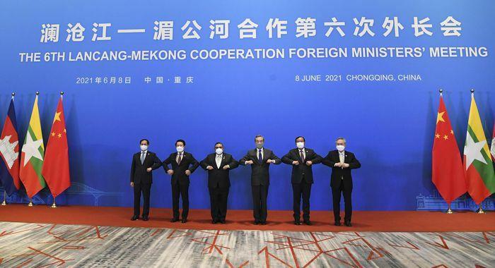 Việt Nam cùng ASEAN và Trung Quốc đưa quan hệ trở thành hình mẫu - ảnh 1