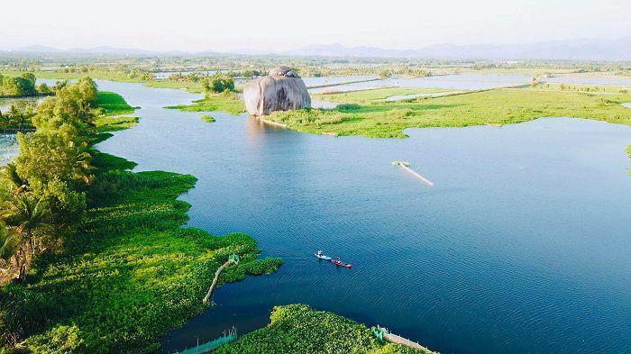 Ai ngờ rằng ngoài Trị An thì hồ Bàu Ngừa Đồng Nai cũng là điểm sống ảo cực xịn thế này - ảnh 1