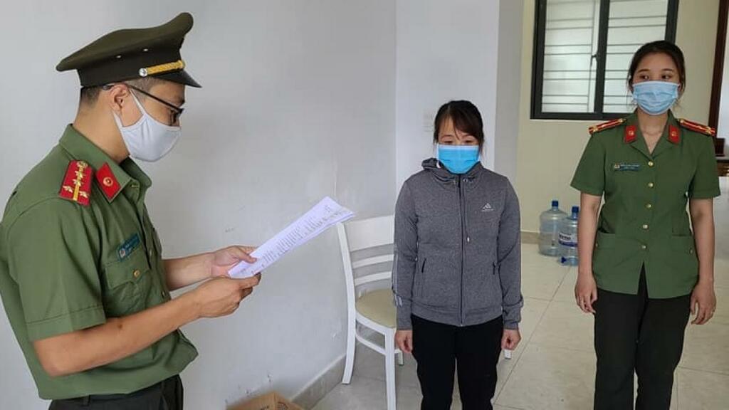 Nữ giám đốc cấu kết người Trung Quốc đưa chuyên gia