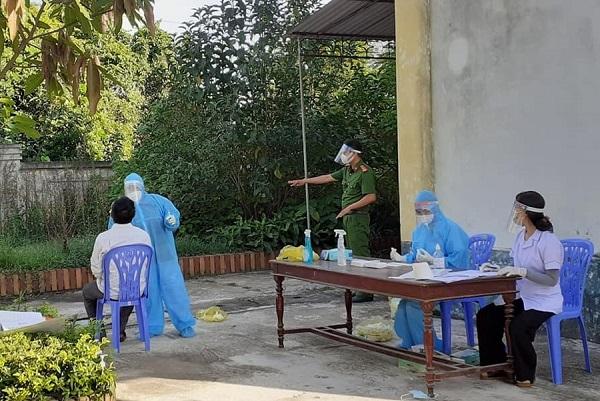 Hà Tĩnh: Ca nhiễm mới bán hàng đối diện điểm tắm nước ngọt công cộng huyện Lộc Hà - ảnh 1