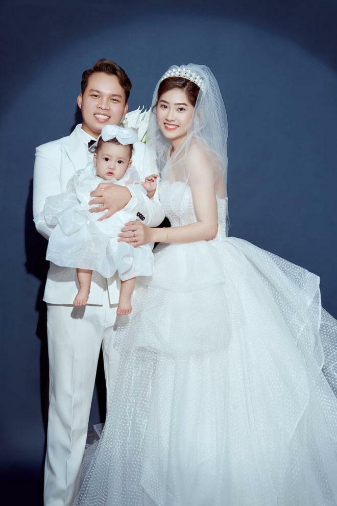 Cặp đôi hoãn cưới 2 lần vì COVID-19, đưa con chụp ảnh cưới cuối cùng vẫn 'toang'
