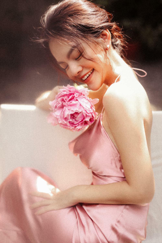 Phạm Quỳnh Anh chia sẻ cách tìm kiếm niềm vui khi ở nhà thời - ảnh 1
