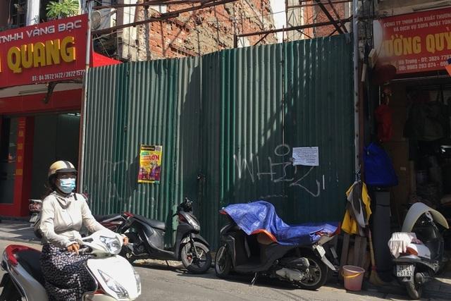 Bán nhà 845 cây vàng trên phố cổ Hà Nội, gia chủ nhận lại toàn… giấy nợ?