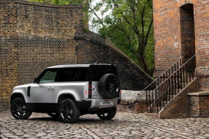 Land Rover sẵn sàng ra mắt Defender 90 giữa tháng 6 - ảnh 1