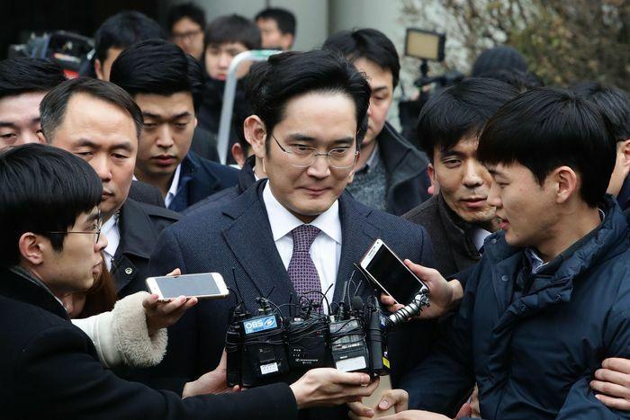 Tổng thống Hàn Quốc xem xét ân xá ''thái tử Samsung'' - ảnh 1