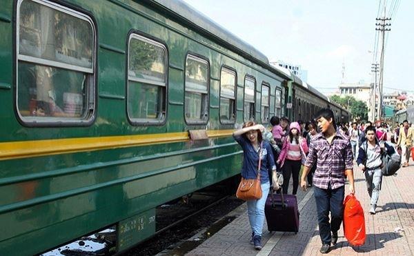 Dịch COVID-19 doanh thu vận tải đường sắt sụt giảm mạnh - ảnh 1