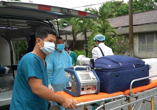 TPHCM: Chiến sĩ công an mắc Covid-19 được chuyển qua Bệnh viện Chợ Rẫy - ảnh 1