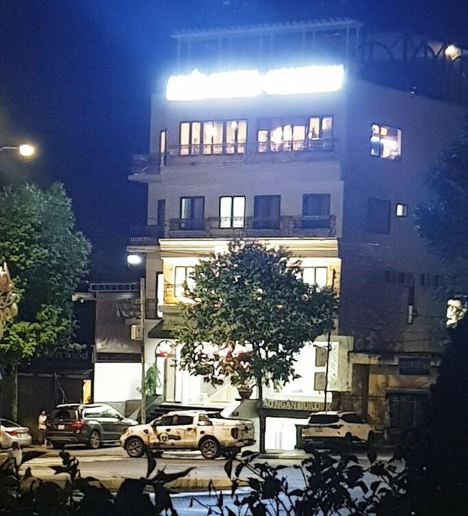 Nóng: Nhóm người tạm trú tại Thẩm mỹ viện Minh Châu Asian Luxury hỗn chiến, 2 người nhập viện - ảnh 1