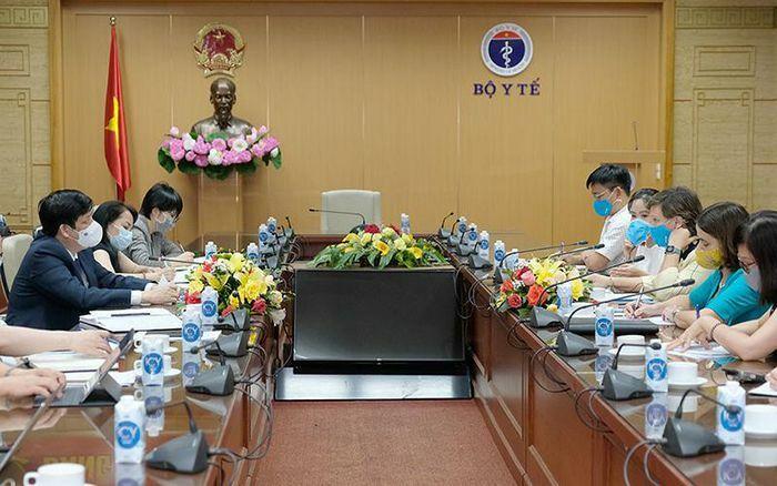 Bộ Y tế đề nghị UNICEF thúc đẩy COVAX sớm cung ứng vaccine phòng Covid-19 cho Việt Nam - ảnh 1