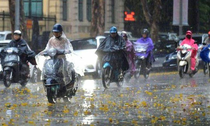 Bắc Bộ mưa lớn, lũ quét và sạt lở đất rình rập nhiều nơi - ảnh 1