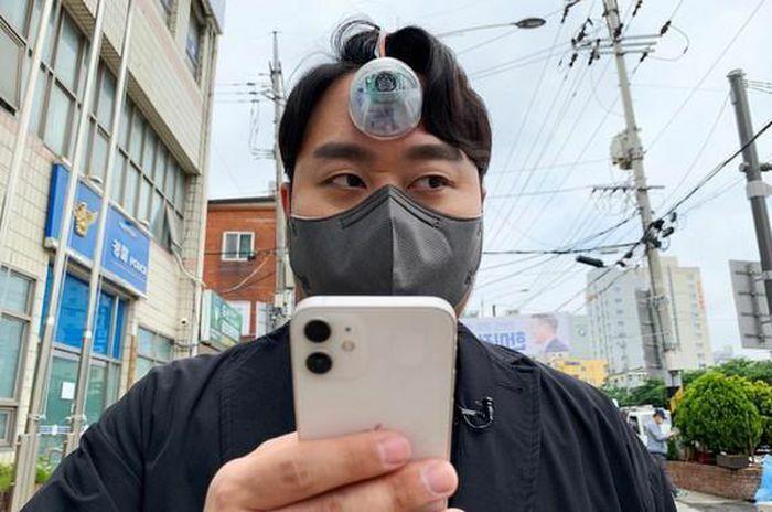 """Nhà thiết kế Hàn Quốc tạo ra """"Con mắt thứ ba"""" dành cho những """"con nghiện"""" điện thoại"""