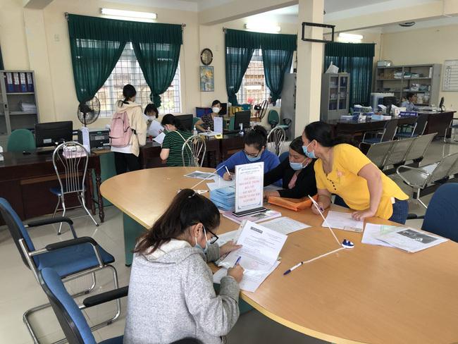 Thừa Thiên Huế: Hơn 3.200 lao động nộp hồ sơ đề nghị hưởng trợ cấp thất nghiệp - ảnh 1