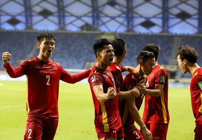 Việt Nam thăng tiến trên bảng xếp hạng FIFA - ảnh 1