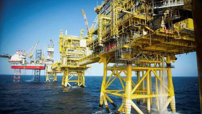 OPEC + đồng ý tăng dần nguồn cung, giá dầu hồi phục