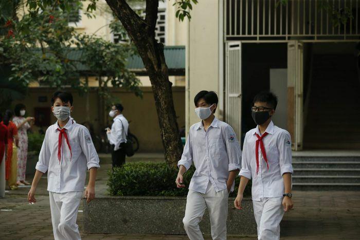 Tuyển sinh lớp 6 tại Hà Nội: Linh hoạt ứng phó trước dịch bệnh - ảnh 1