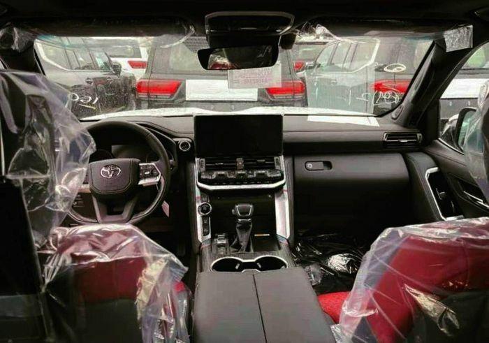 Toyota Land Cruiser 2022 bị lộ ảnh trước giờ ra mắt - ảnh 1