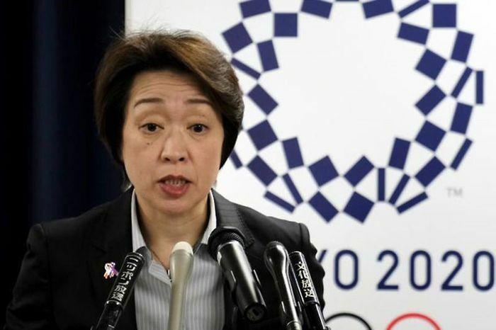 Trưởng ban tổ chức Olympic Tokyo chống lại dư luận Nhật