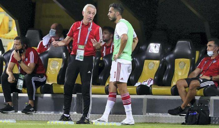 HLV tuyển UAE: ''Chúng tôi phải ghi ít nhất 4 bàn vào lưới Thái Lan'' - ảnh 1