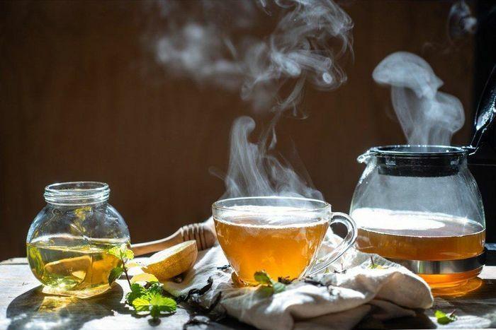 4 cách uống trà gây hại cơ thể, triệu người làm mà không biết