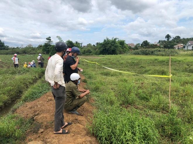 Phát hiện thi thể người phụ nữ trên cánh đồng sau một ngày mất tích - ảnh 1