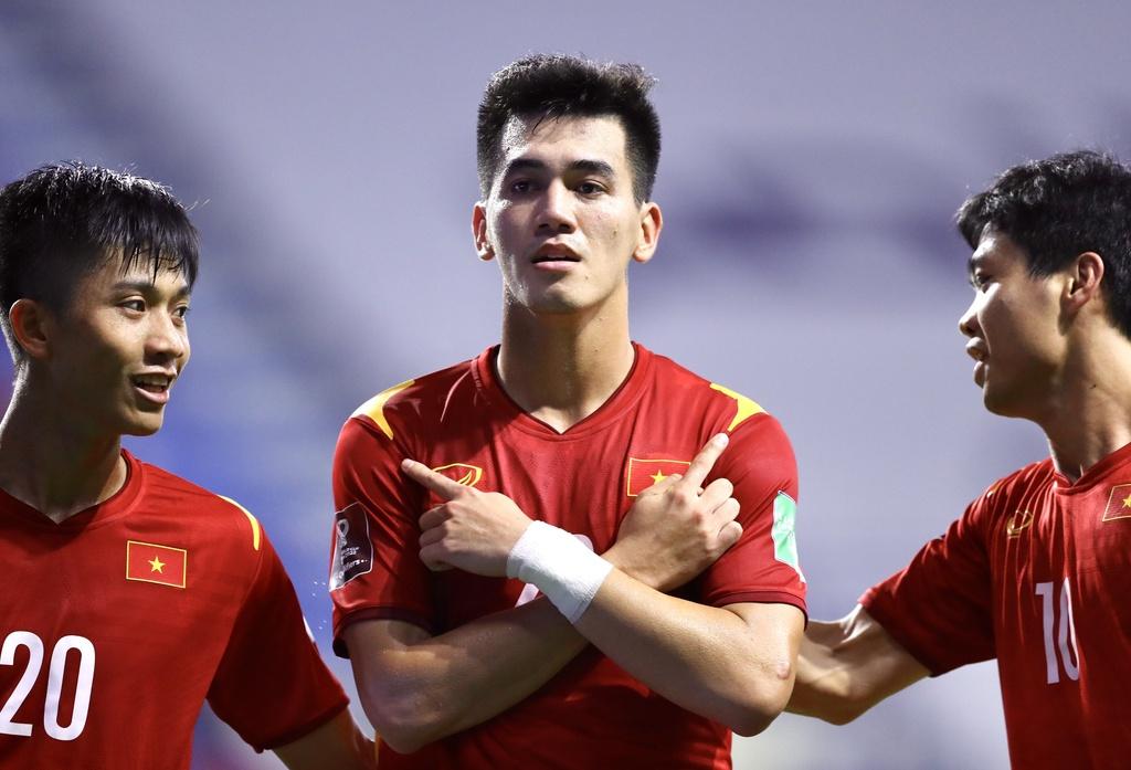 'Thông cảm với trọng tài khi công nhận bàn thắng của Tiến Linh' - ảnh 1