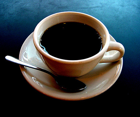 Ly cà phê 'độc' của người đàn bà chán chồng - ảnh 1