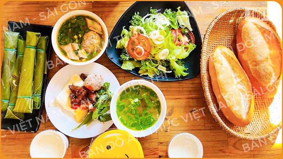 Trải nghiệm ẩm thực đường phố Đà lạt cùng bánh mì xíu mại - ảnh 1