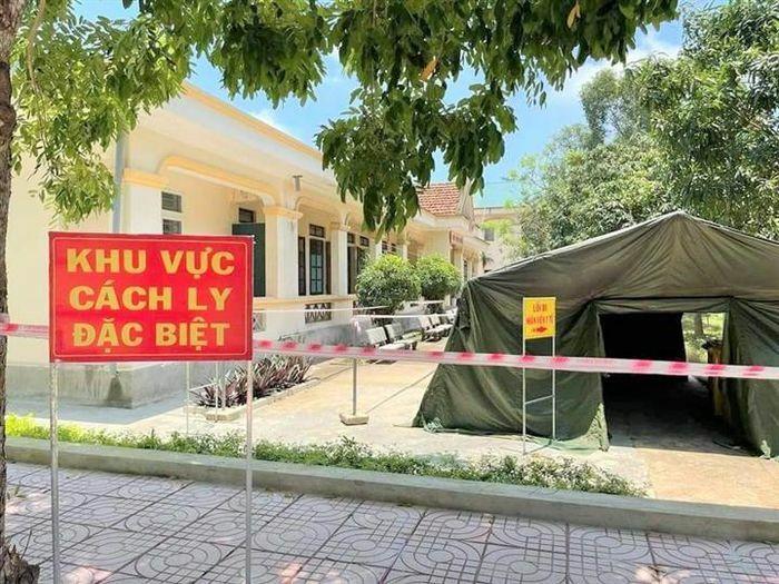 Nghệ An đón 326 lao động từ Bắc Giang về địa phương - ảnh 1