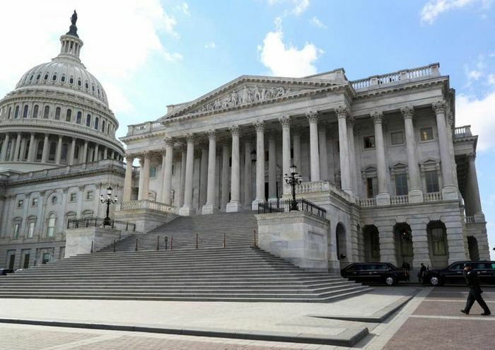 Thượng viện Mỹ thông qua dự luật nhằm ứng phó với sự cạnh tranh của Trung Quốc - ảnh 1