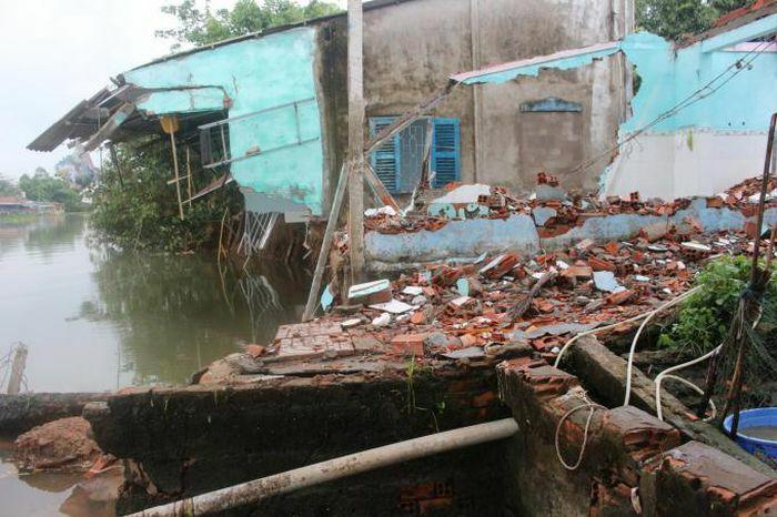 Cần Thơ: Sạt lở liên tiếp xảy ra gây họa cho hàng chục hộ dân