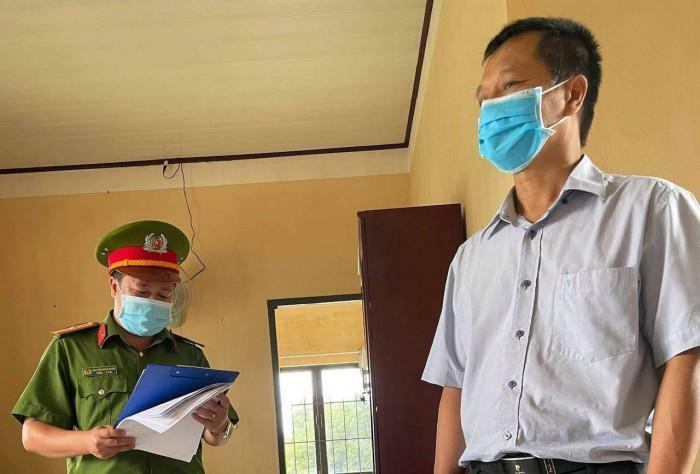 Bắt giam một giám đốc Trung tâm giáo dục thường xuyên ở Lâm Đồng