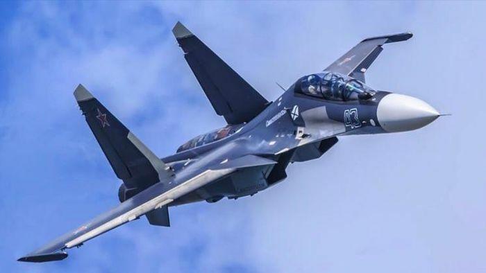 Tiêm kích Su-30SM của Nga và F-35A NATO đối đầu trên biển - ảnh 1