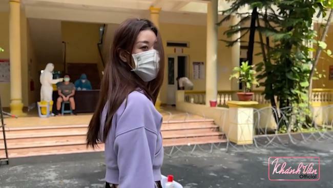 Hoa hậu Khánh Vân đã về Việt Nam sau Miss Universe 2020, hé lộ hình ảnh đang ở khu cách ly - ảnh 1