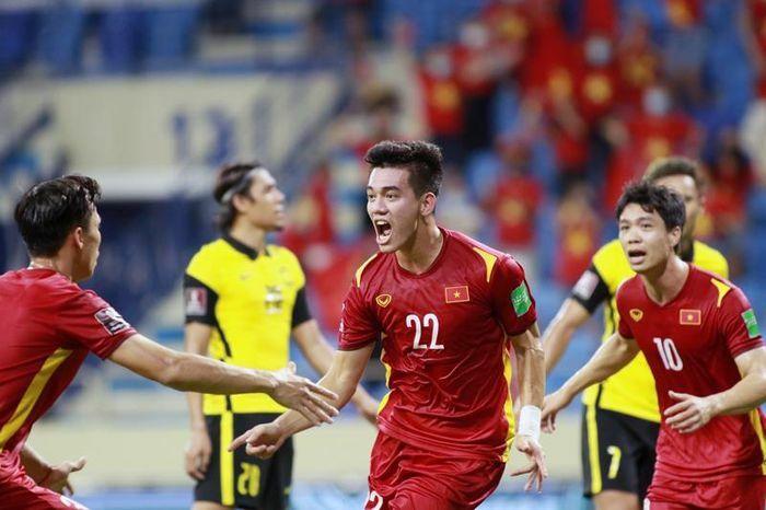 Kết quả, bảng xếp hạng bảng G Vòng loại World Cup 2022 châu Á: Việt Nam xây vững ngôi đầu - ảnh 1