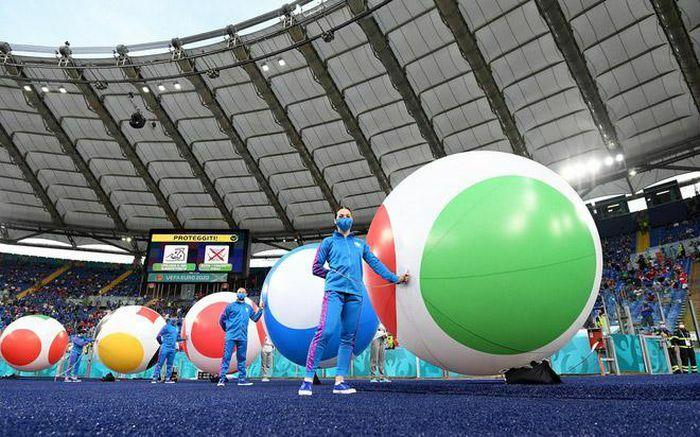 Lễ khai mạc đầy màu sắc và ấn tượng của Euro 2020 - ảnh 1