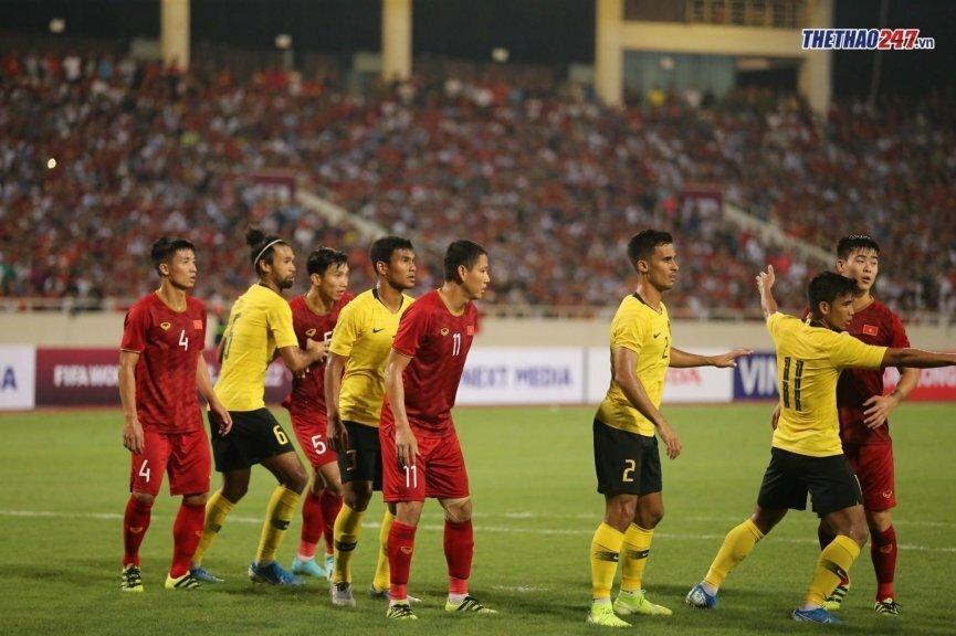 BLV FOX Sports: 'Việt Nam áp lực vì là đội cửa trên so với Malaysia' - ảnh 1