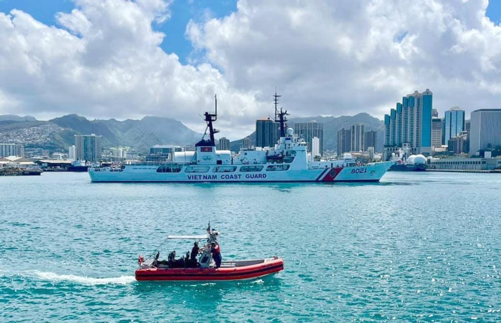 Tàu Cảnh sát biển Việt Nam đến Hawaii trên chặng đường từ Mỹ về nước - ảnh 1